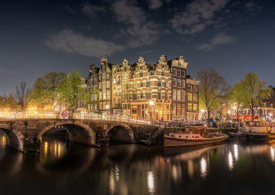 Visit-Amsterdam-Bedandbreakfast